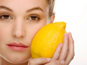 осветлить лицо лимоном