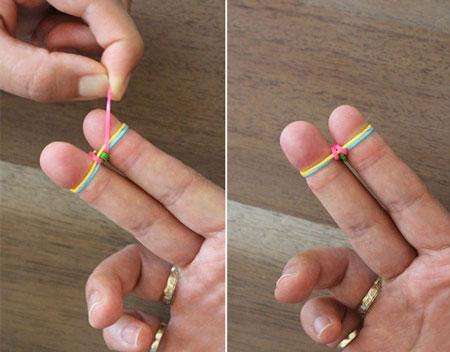 плетем браслеты из резинок на пальцах